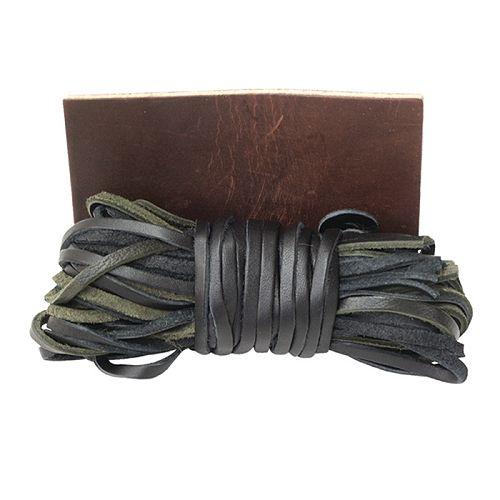 Lederriemen mit Lederstück (Bag of Leather Strings and Patch)
