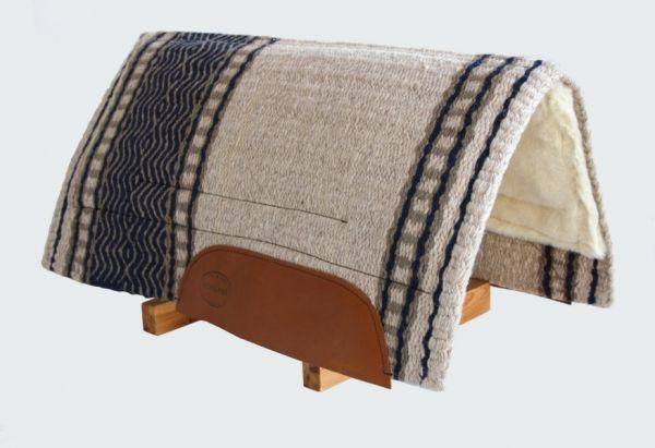 Wool Pad mit Memory Foam Inlays und Fleece Unterseite